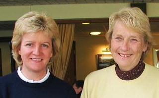 Anne Robinson ans Fiona Roger (The 2006 Winter Foursomes Winners)